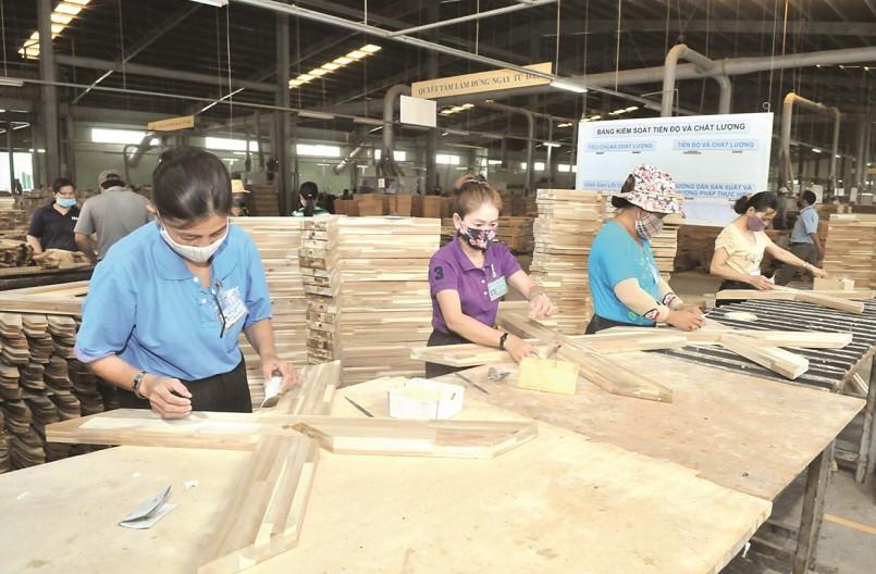 Gỡ khó cho doanh nghiệp chế biến và xuất khẩu gỗ