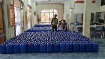 Phú Yên: Phát hiện và bắt giữ 8.200 lít rượu không rõ nguồn gốc xuất xứ