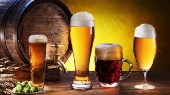 Bộ tài chính đề xuất dán tem điện tử cho rượu và thuốc lá