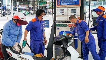 Giá xăng dầu hôm nay 12/10: Dầu tăng giá trở lại do ảnh hưởng của bão Delta