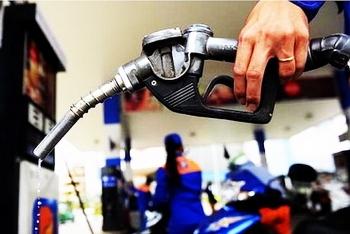 Giá xăng dầu hôm nay 1/11: Trượt dốc