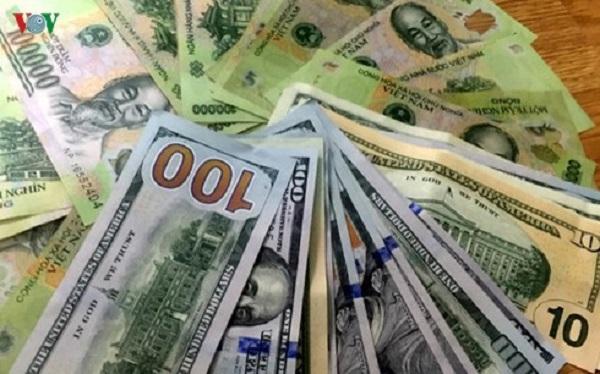 tỷ giá USD tiếp tục tăng mạnh