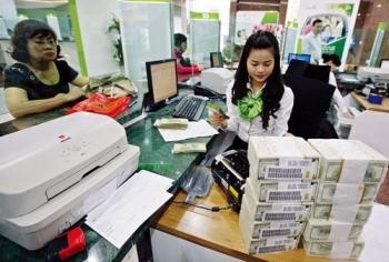 Các ngân hàng lớn nhập cuộc giảm lãi suất cho vay lần thứ 3 liên tiếp