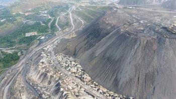 Tận dụng đất thải mỏ để san lấp mặt bằng các dự án tại Khu kinh tế Vân Đồn