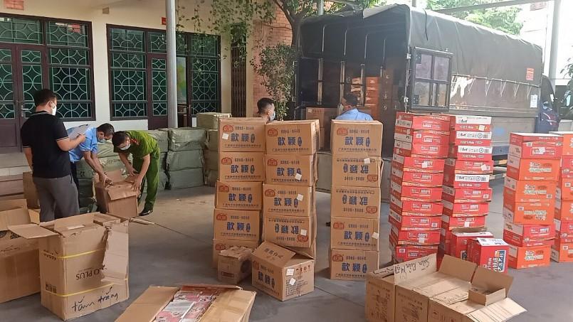 Phương tiện và hàng hóa bị kiểm tra tại trụ sở của QLTT